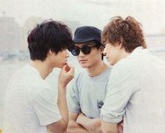 "what r 3 bros.duscussing?   Kento Yamazaki x Shohei Miura x Shuhei Nomura, J drama ""Sukina hito ga iru koto (A girl & 3 sweethearts)"", from Jul/11/2016"