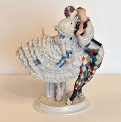 PORCELAIN FIGURE ARLEQUINE &COLUMBINA, MEISSEN, PAUL SCHEURICH 1920's in Antiques, Decorative Arts, Ceramics & Porcelain, Figurines | eBay