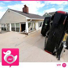 SANDY, CHE DISASTRO!  E' trascorso quasi un anno dal passaggio dell'uragano sulle coste del New Jersey. Ecco una carrellata di terrificanti immagini... e questo scatto è solo un esempio di ciò che la natura è in grado di fare...  http://amresolution.com/2012/11/05/parts-of-new-jersey-shore-may-never-be-same/