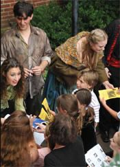 August 4, 2015: Nina Odescalchi Kelly Family Matinee – La Traviata A kid-friendly matinee with a narrator's preview and an autograph session with the singers. Bring a picnic and enjoy fun pre-show activities by adding on our Take a Child to the Opera package.