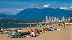 Kitsilano Beach (Kits Beach) Vancouver, British Columbia, Canada - 10 Best City Beaches in the World Vancouver Chinatown, Vancouver Neighborhoods, Vancouver Beach, Vancouver Island, Visit Vancouver, World Beautiful City, Spring Break Trips, South Padre Island, Family Resorts