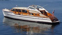 Cruiser Boat, Cabin Cruiser, Motor Cruiser, Best Boats, Cool Boats, Yacht Design, Boat Design, Chris Craft Wooden Boats, Ski Nautique