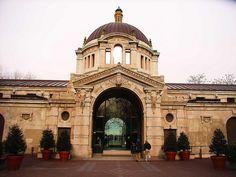 Bronx Zoo - entrance - Bronx, NY