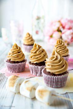 Vaahtokarkkimuffinssit   Reseptit   Kinuskikissa Mini Cupcakes, Baking, Desserts, Food, Tailgate Desserts, Deserts, Bakken, Eten, Postres