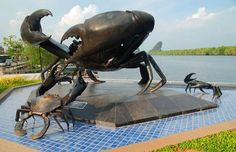 Unique sculptures the Giant Sea Crab - Krabi Town Travel Info, Free Travel, Krabi Island Thailand, Costa, Sea Crab, Roadside Attractions, Crabs, Far Away, Worlds Largest