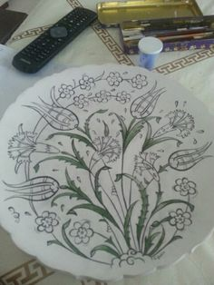 Craft Patterns, Pottery, Plates, Tableware, Painted Plates, Turkish Art, Flowers, Ceramica, Licence Plates