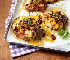 Frikadellenpizzas mit Tomate-Mozzarella