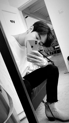 【Ᏸ𝘂𝗿𝘆 𝘁𝗵𝗲 𝗽𝗮𝘀𝘁 𝗶𝗻 𝘁𝗵𝗲 𝗱𝗲𝗲𝗽𝗲𝘀𝘁 𝗽𝗮𝗿𝘁𝘀 𝗼𝗳 … # Hayran Kurgu # amreading # books # wattpad Youngjae, Yugyeom, Jyp Got7, Girls Girls Girls, Jinyoung, Chanyeol, Nam Joo Hyuk Wallpaper, Go7 Mark, Kim Myungjun