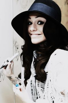 Cher Lloyd my fave singer Perfect People, Beautiful People, Pretty Girl Rock, Cher Lloyd, Celebs, Celebrities, Hats For Women, Role Models, Rihanna