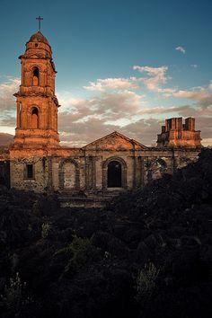 Pueblo Viejo de San Juan Parangaricutiro México