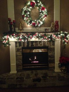 Traditional Christmas Mantle / Fireplace