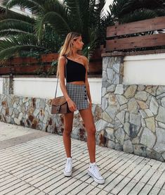 33 beautiful outfits for your vacation Womens fashion Behind The Scenes By unreaping spring style Fashion Outfits Summer 2019 19 Trendy Ideas Source by marleensophieschweizer outfits teenage Hallow Skirt – Red, 12 Boyfriend Jeans Trendy Summer Outfits, Cute Casual Outfits, Spring Outfits, Casual Summer, Summer Wear, Summer Outfits For Vacation, Bar Outfits, Vegas Outfits, Summer Dresses