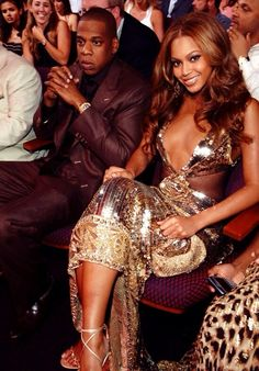 Find images and videos about beyoncé, mrs carter and queen bey on We Heart It - the app to get lost in what you love. Beyonce Knowles Carter, Beyonce And Jay Z, Solange Knowles, Estilo Beyonce, Beyonce Style, Tony Parker Wife, Cute Celebrities, Celebs, Mrs Carter
