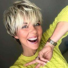 Short Layered Haircuts, Short Hairstyles For Thick Hair, Short Hair With Bangs, Short Hair With Layers, Short Hair Cuts For Women, Hairstyles With Bangs, Short Razor Haircuts, Blonde Haircuts, Pixie Haircuts