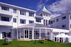Burgh Island Hotel, Devon. http://www.goodhotelguide.com/BIGBURY-ON-SEA/Hotel/Burgh+Island+Hotel+-+Devon #devon
