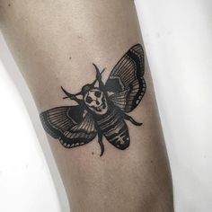 Death moth from the silence of the lambs / Mariposa do silêncio dos inocentes Movie Tattoos, Baby Tattoos, Body Art Tattoos, Geek Tattoos, Music Tattoo Designs, Tattoo Designs Men, Girls With Sleeve Tattoos, Tattoos For Guys, Unique Butterfly Tattoos