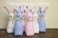 Dekoherz: Fröhliche Hasenbande zum Selbernähen Craft Sale, Softies, Happy Easter, Jewelry Stores, Sewing Projects, Dinosaur Stuffed Animal, Bunny, Christmas Ornaments, Holiday Decor