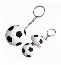 ¿Llevas el fútbol en la sangre? Ahora podrás llevar toda tu información dentro de este balón de fútbol, el regalo perfecto solo apto para frikis de este de