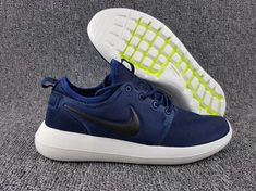 wholesale dealer 63511 c4e32 Populaire NIKE ROSHE TWO 2017 MANS SHOE Midnight Navy Sail Volt Black Noir  844656-400 Youth Big Boys Shoes