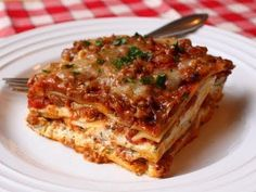 this is the lasagna recipe I used... it makes a lot of good sized servings! It's pretty easy, just time consuming. It would be a good idea to make it on a Sunday and keep it in the freezer. It's pretty delicious !