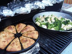 Kudos Kitchen By Renee: Cast Iron Grilled Skillet Cornbread via @Kudoskitchen