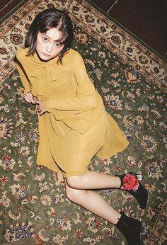 上品で女っぽくなれる♡ 「ヴィンテージガーリー」を着るなら今!|NET ViVi|講談社『ViVi』オフィシャルサイト Photoshoot Inspiration, Style Inspiration, Model Photos, Photo Sessions, Korean Fashion, Short Hair Styles, Feminine, Female, Vivienne