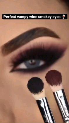 Smoke Eye Makeup, Eyebrow Makeup Tips, Eye Makeup Steps, Makeup Eye Looks, Eye Makeup Art, Dramatic Eye Makeup, Blue Eye Makeup, Makeup For Eyes, Smoky Brown Eye Makeup
