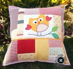 Imagem de http://img.elo7.com.br/product/zoom/A9872C/almofada-coruja-patchwork-artesanato.jpg.