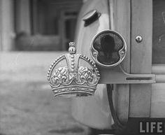 royal crown emblem