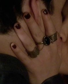Aria+Montgomery's+Multi+Finger+Ring+from+Pretty+Little+Liars  I love her jewellery