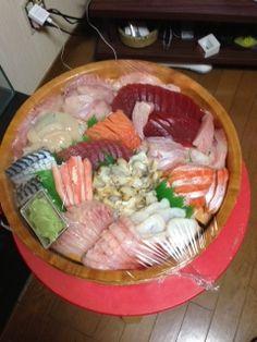【企業名:高尾水産】 新鮮な魚、お刺身が売りの魚屋です。 これから北国では辛い季節になりますが、これを飲んで乗り越えるぞ!