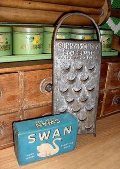 Sunny Monday soap shaver & bar of Swan soap