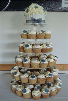 Vintage Style Wedding Cupcakes - Let Them Eat Cakes