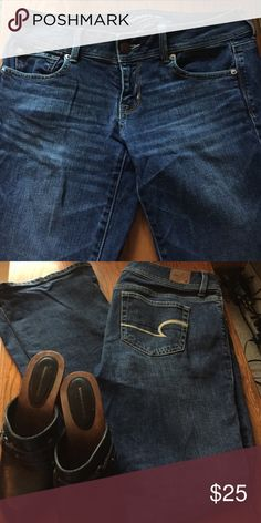 American Eagle slim boot jeans. As soon as 4th of July is over back to school cloths will be on the market. Gently worn soft American Eagle jeans. Ready to wear!❤️ American Eagle Outfitters Pants Skinny