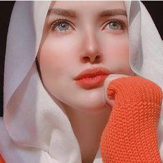 Beautiful Girl Makeup, Beautiful Blonde Girl, Beautiful Girl Photo, Hijabi Girl, Girl Hijab, Hijab Bride, Wedding Hijab, Wedding Dresses, Teenage Girl Photography