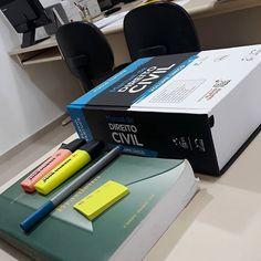 School Goals, Law School, Book Study, Study Notes, Planner Organization, School Organization, Cool School Supplies, Study Pictures, Study Design