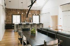 Lofts de diseño: Esta reducida vivienda en la isla de Manhattan, destaca por una económica reforma con un estilo industrial muy marcado en dos amplias estancias, aprovechando al máximo su superficie.