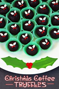 Christmas Coffee Truffles, made with double cream, barista style coffee dark and milk chocolate! The perfect gift. Fab Food 4 All christmas cooking gifts Christmas Goodies, Christmas Treats, Christmas 2017, Christmas Biscuits, Christmas Candy, Diy Christmas, Merry Christmas, Candy Recipes, Holiday Recipes