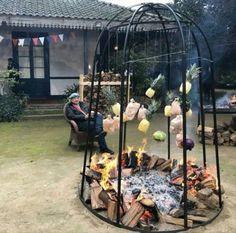 Diy Fire Pit, Fire Pit Backyard, Backyard Bbq, Fire Pits, Outdoor Fire, Outdoor Living, Outdoor Decor, Francis Mallman, Open Fire Cooking