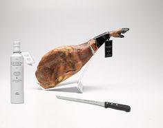 Lot nº 3: Acorn-fed Iberico shoulder 100% D.O. Dehesa de Extremadura + 500ml bottle of Extrem oil + Ham knife Extrem - Jamón Ibérico OnlineJamón Ibérico Online