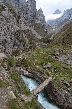 Ruta del Cares, Picos de Europa. León (España). #viajar #travel