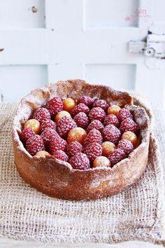 ... orange & raspberry cake ...