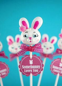 Easter Bunny Cake Pop by Bakerella - Such talent but how long does this take her to make??