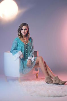 Sadie Robertson and I love it as a senior picture Sadie Robertson Bikini, All Fashion, All About Fashion, Robertson Family, Cut And Style, My Style, Famous Girls, Material Girls, Pretty Dresses