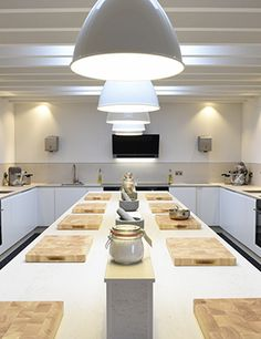 The Woodspeen Restaurant & Cookery School is situated west of Newbury, Berkshire. View menus, book a table online or find out about cookery courses.