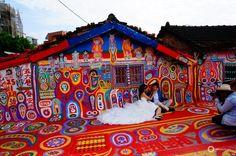 """Rainbow Village à Taichung, l'histoire touchante du """"papi arc-en-ciel"""""""