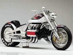 Most extreme production bike by Honda ever made. Please Honda, bring back the RUNE! Honda Valkyrie, American Chopper, Street Fighter Motorcycle, Chopper Motorcycle, Motorcycle Helmets, Hd Motorcycles, Vintage Motorcycles, Gears Of War, Sidecar