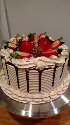 Happy Birthday Wishes Cake, Fruit Birthday Cake, Funny Birthday Cakes, Pretty Birthday Cakes, Pretty Cakes, Creative Cake Decorating, Birthday Cake Decorating, Cake Decorating Techniques, Creative Cakes