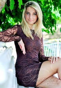 Russian woman abroad: Ekaterina from Odessa, 20 yo, hair color Blond