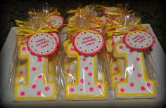 Birthday Cookie Favors | 1st Birthday Cookie Favor | Party Time